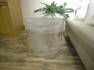 アクリル製ゴミ箱
